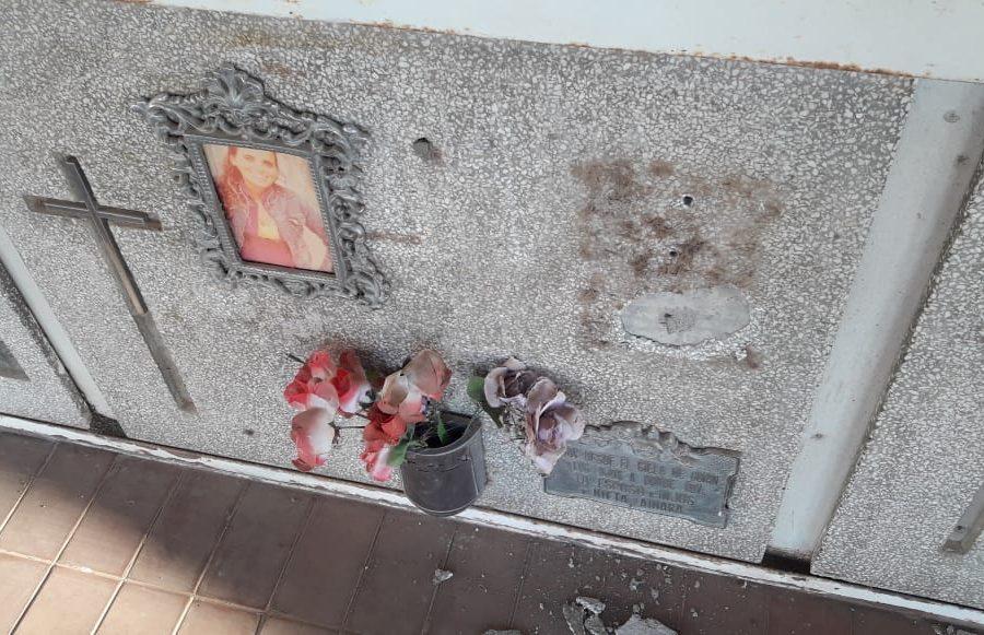 En Brinkmann detectan el faltante de placas en el cementerio