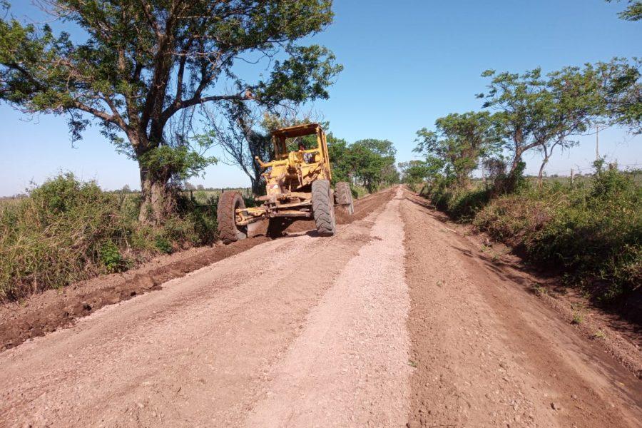 Avanzan en mejoramientos de caminos en el noroeste de Dos Rosas y La Legua