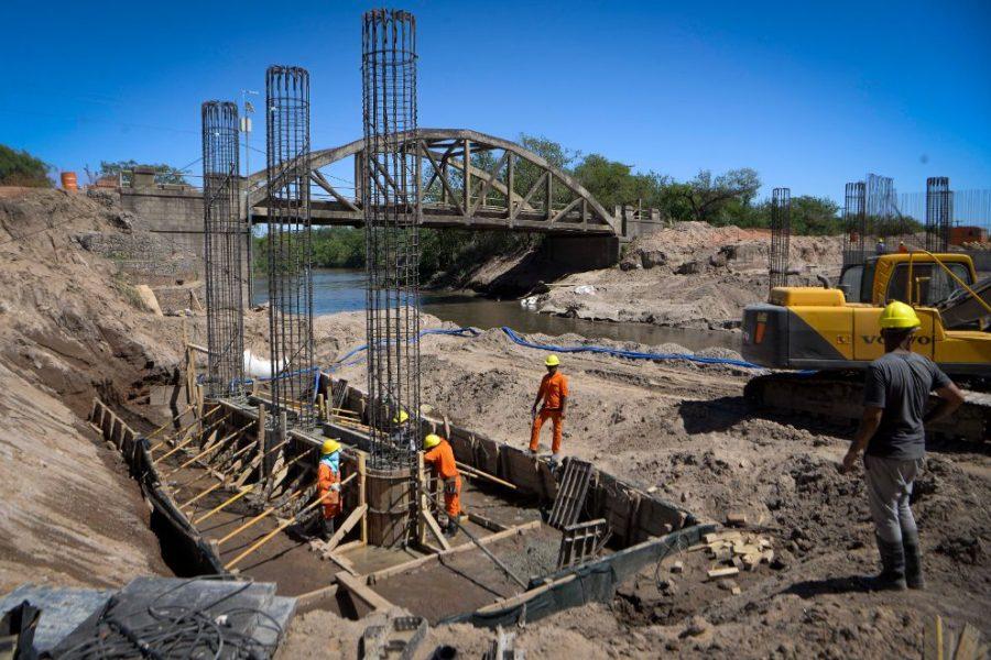 Avanza la construcción del puente entre La Para y Toro Pujio